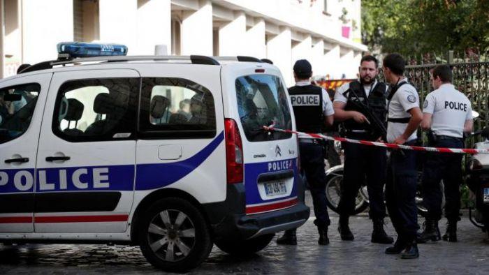 Auto contro un gruppo di studenti vicino a Tolosa, 3 feriti